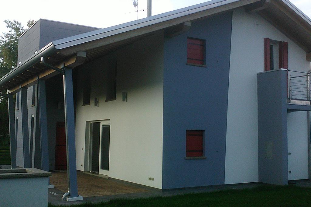 Case grigie esterne le ultime idee sulla casa e sul - Colori facciate esterne case ...